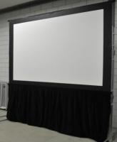Projectie spanscherm 4:3 opzicht 1.80 x 1.35 mtr.